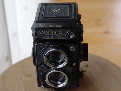 YASHICA MAT124G