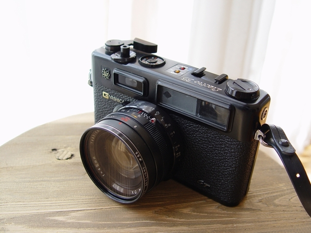 YASHICA ELECTRO 35GT (前面)